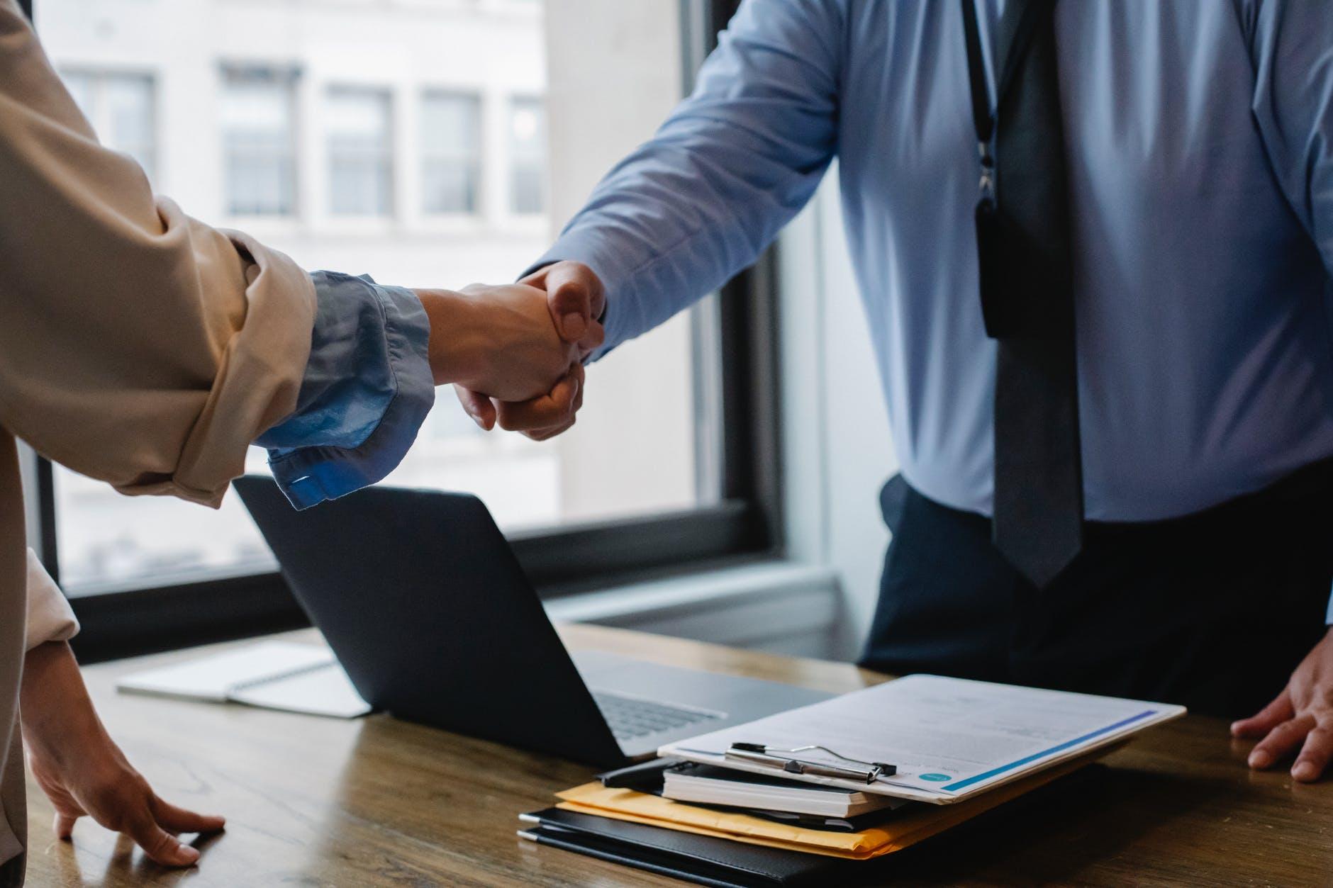 Contractul de imprumut - ce trebuie sa cunosti inainte sa-l semnezi?