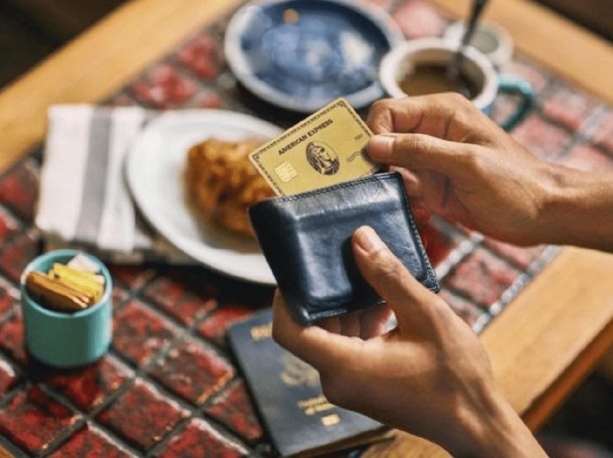 Ce este cardul de credit