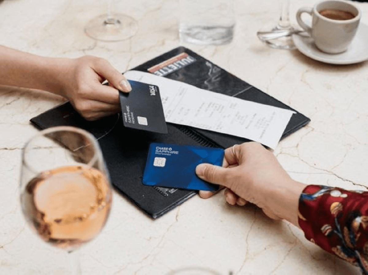 Care este alegerea corecta: cardul de credit sau cardul de debit